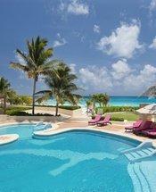 Piscina superior Hotel Krystal Grand Punta Cancún Cancún