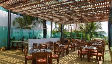 Terraza restaurante Hotel Krystal Grand Punta Cancún Cancún