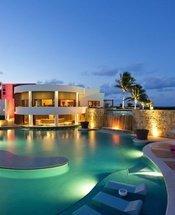 Piscina bar Hotel Krystal Grand Punta Cancún Cancún